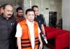 Ketua DPR RI Setya Novanto keluar dari gedung KPK, Rabu (6/12/2017)(Kompas.com/Robertus Belarminus)