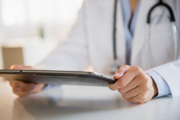 technology, EHR, EMR, doctor, physician, tablet