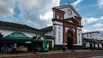 San Antonio de Pereira: La Rumba en Rio Negro