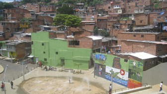 Night and Day in Comuna Popular