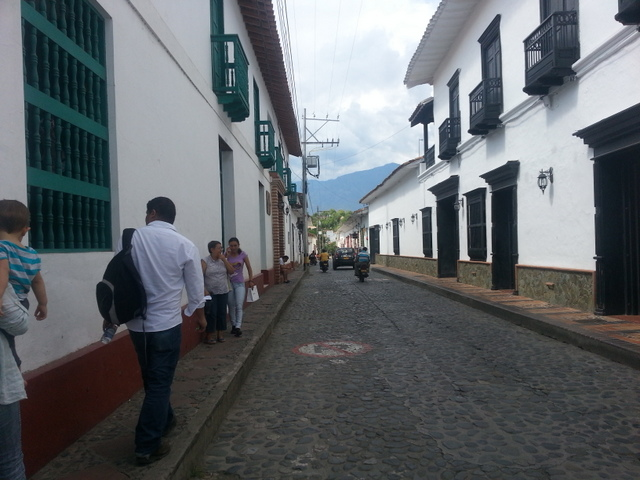 Santa Fe de Antioquia: Whitewashed buildings and narrow cobblestone streets.