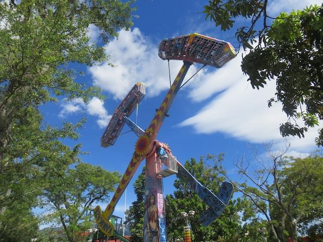 The Kamikaze ride at Parque Norte