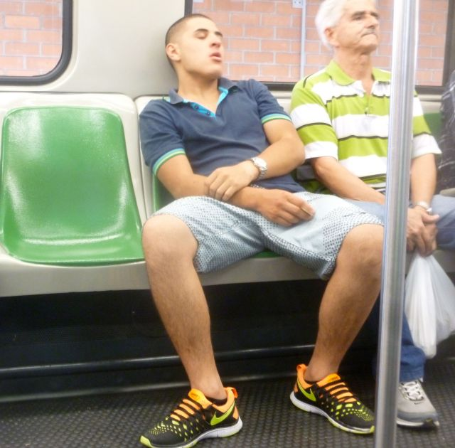 On the Metro, I often see Colombians wearing shorts during the day.