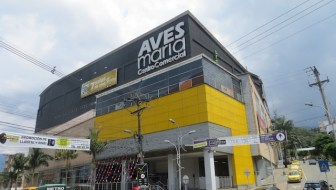 Shopping at Aves Maria, Sabaneta's Modern Mall