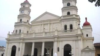 Iglesia de Santa Gertrudis and Parque Envigado
