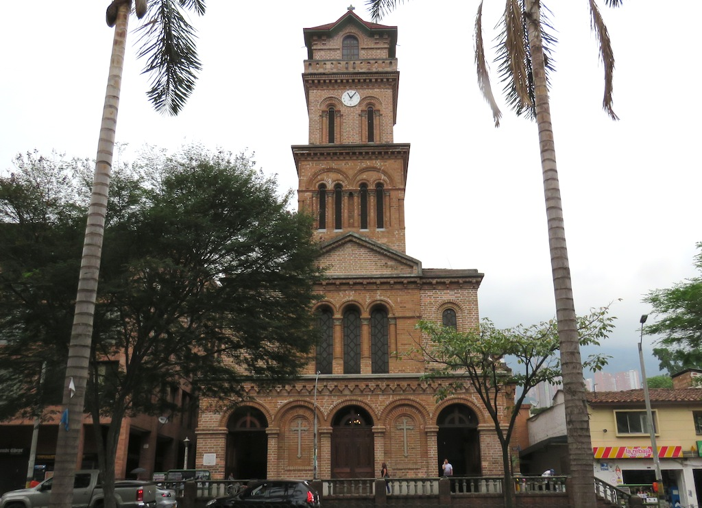 The facade of Iglesia San Jose in El Poblado