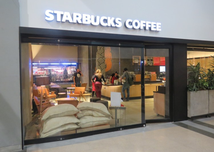 Starbucks in Oviedo mall, before first day opening