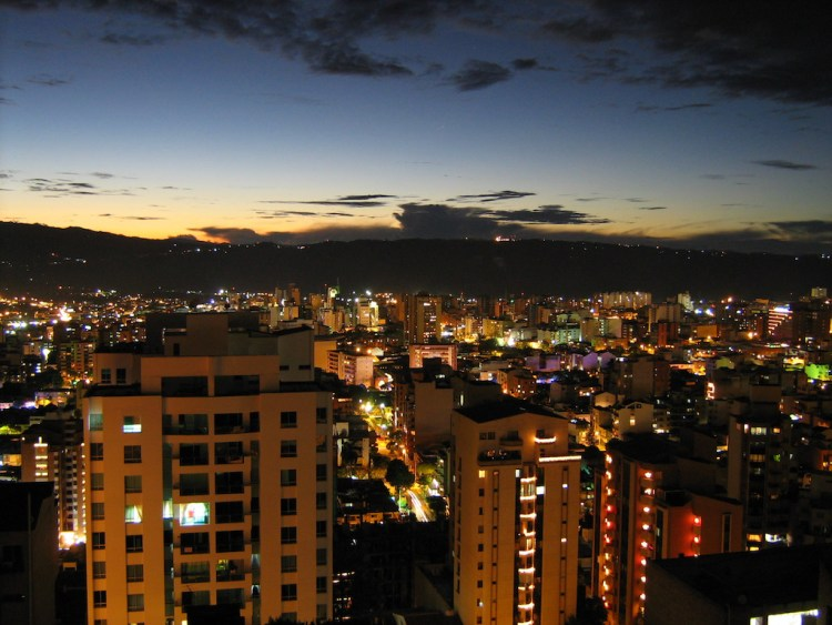 Bucaramanga in the evening, photo by Sebastown