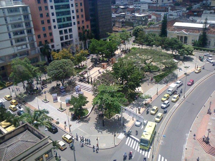 Parque Santander in Bucaramanga, photo by Darwinjvega