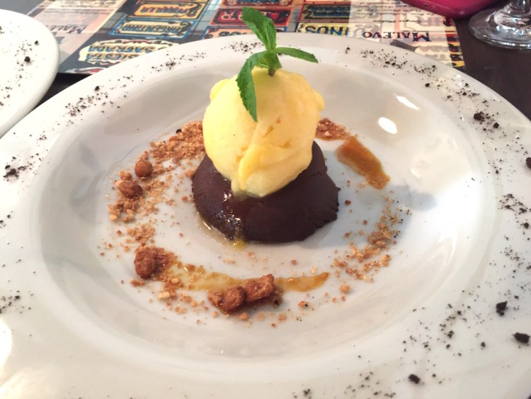 Tentación de chocolate with passionfruit sorbet