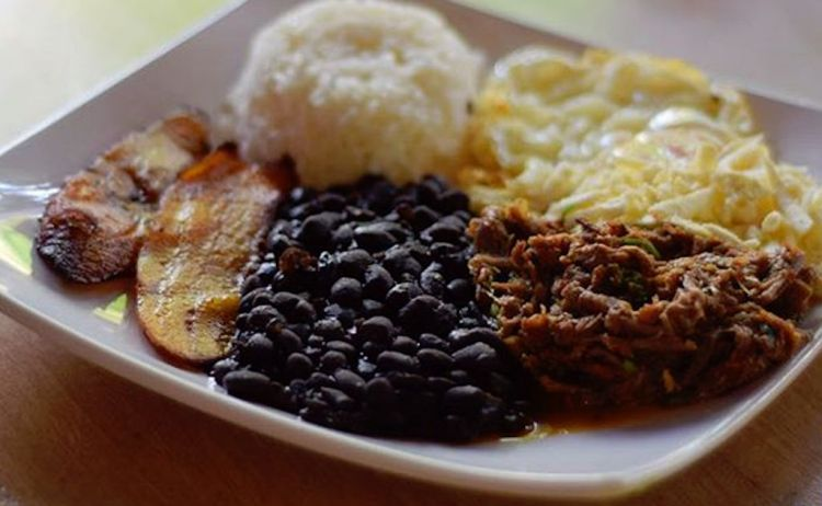 The traditional pabellón dish