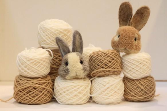 擬真毛球飾品--灰兔子 毛線娃娃・編織娃娃 妞媽 的作品|Creemaー來自日本的手作・設計購物網站