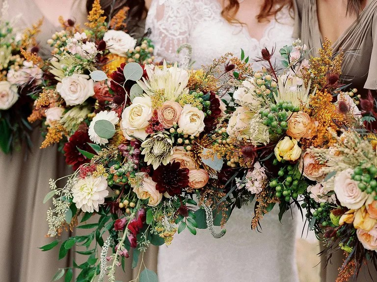 Here Are 10 Of The Most Popular Wedding Flowers Ever