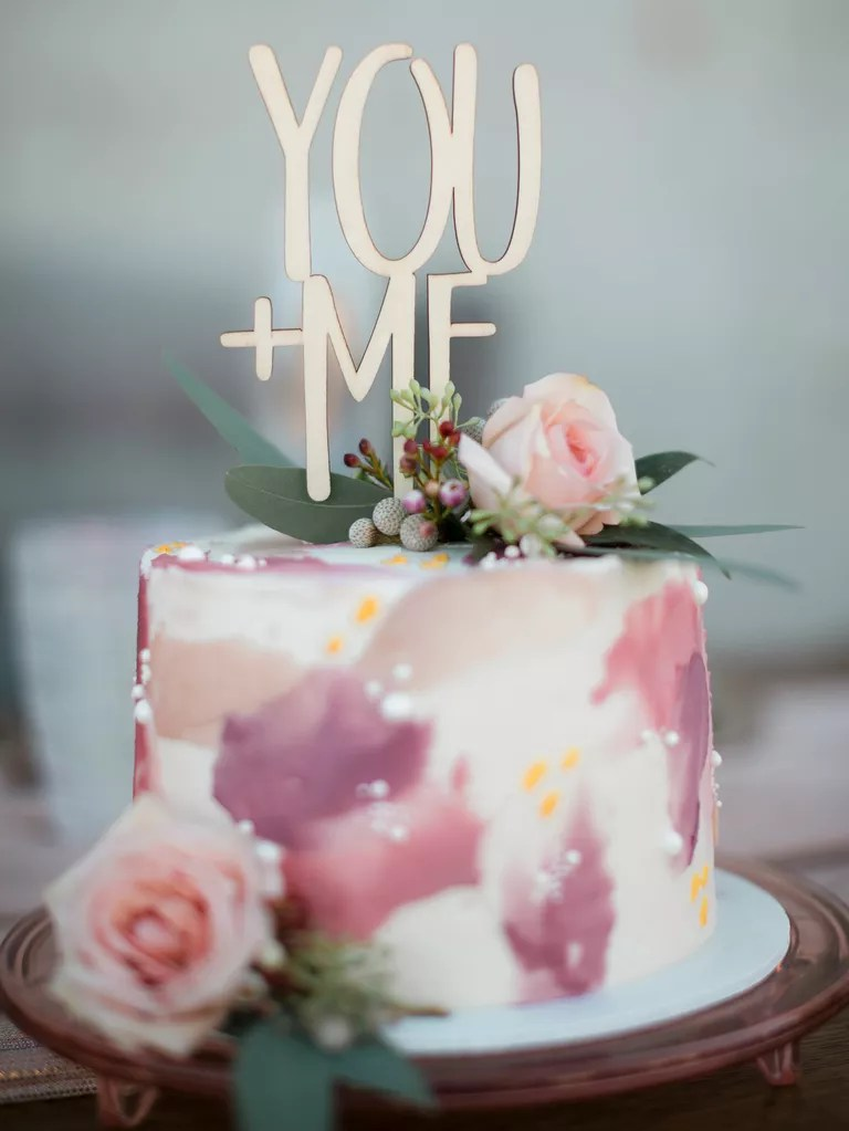 21 Gorgeous Bridal Shower Cakes You And Your Guests Will Love
