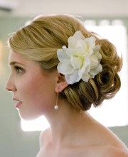 7 wedding day hairstyles with fresh
