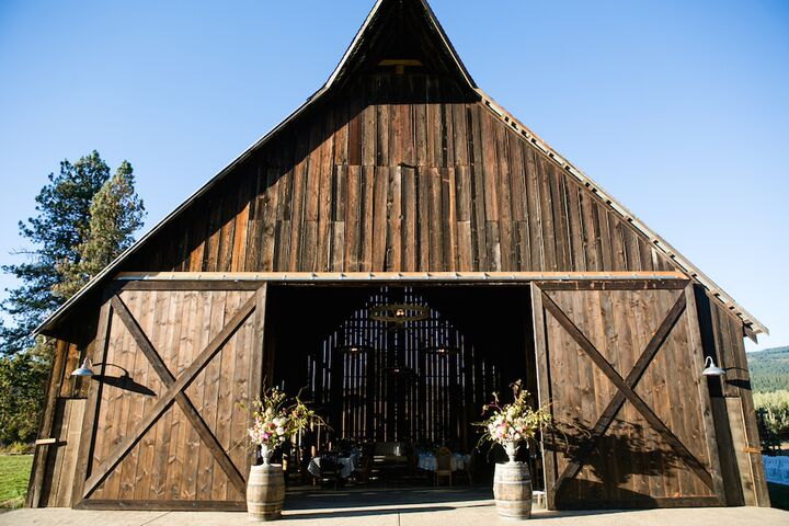 Tin Roof Barn  White Salmon WA