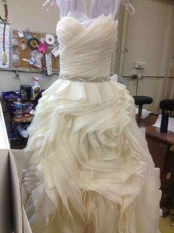Can The Dream Of Wearing Your Mother S Wedding Gown Be Salvaged