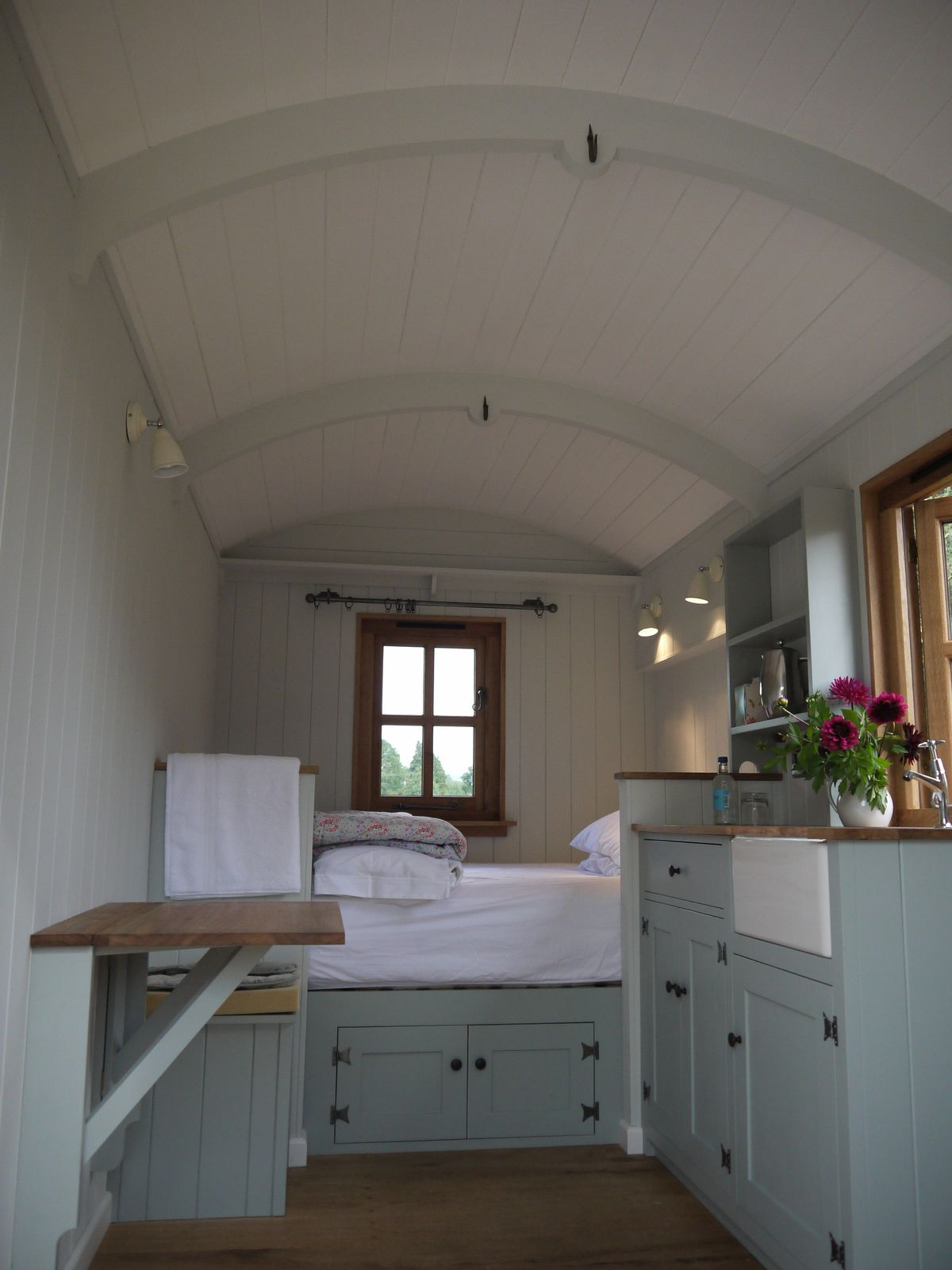 1000 images about I love it  shepherds huts on Pinterest