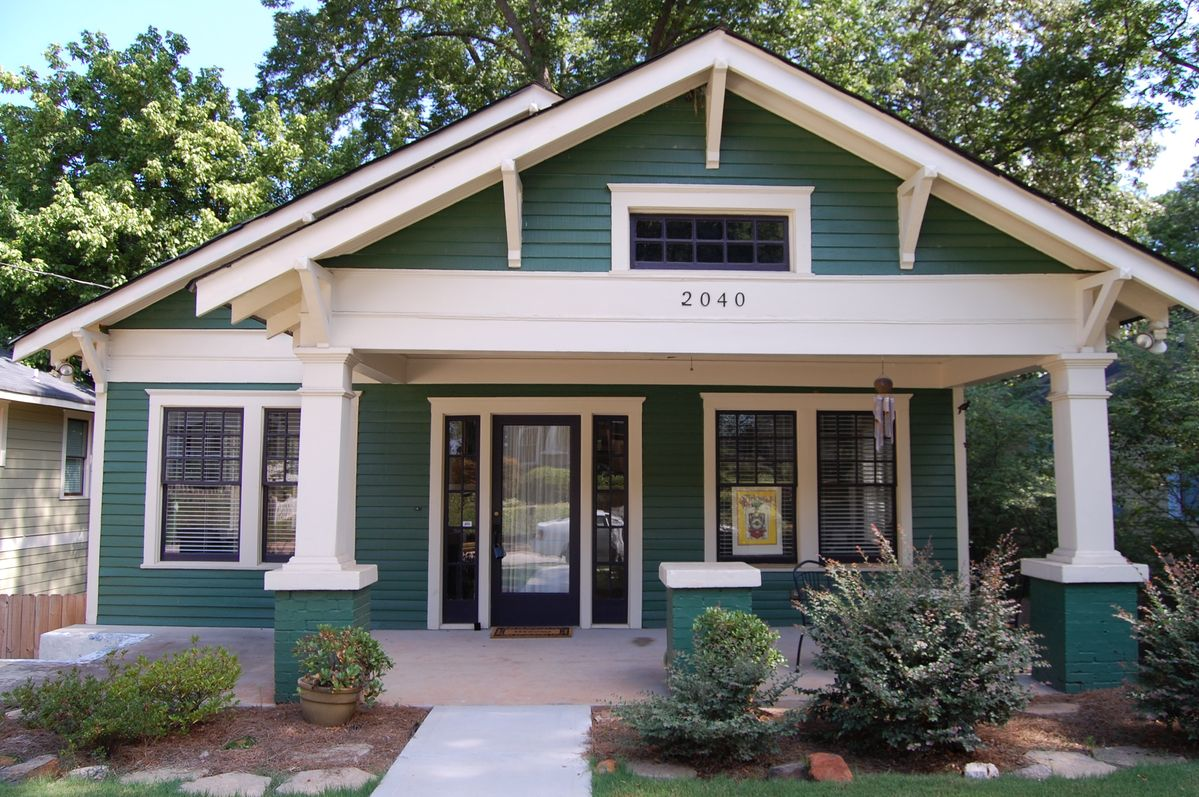 1000 ideas about Craftsman Bungalow Exterior on Pinterest  Bungalow exterior Craftsman