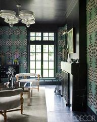 Patterned walls in a