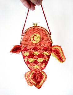 Lucky Goldfish Purse-may adapt and use 'crocodile' stitch
