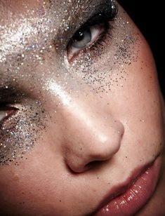 silver glitter make up // from Style Magazine Malaysia #glitter #makeup