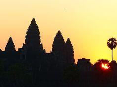 Angkor - Cambodge Visite de 28 temples, pagodes et 280 km de tuk tuk ! Angkor Wat, Bayon, Beng Mealea et bien d'autres merveilles https://picsandtrips.wordpress.com/2014/04/15/angkor-what/