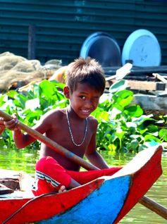 Bateau, Bamboo Train et Bat Big Band ! Battambang – Cambodge https://picsandtrips.wordpress.com/2014/05/26/battambang-cambodge/