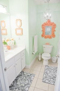 Bathroom Decor Ideas: Mint & Coral Bathroom