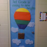 hot air balloons bulletin board | ... Red Trimmer 2551653 ...