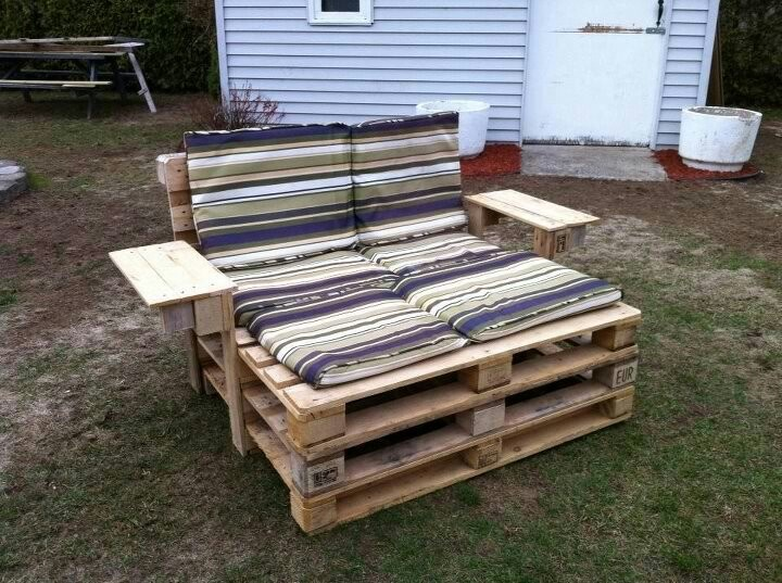 Redneck Double Lawn Chair D  Cool Decorations and Builds