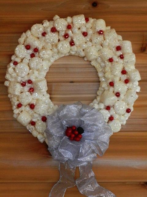 Marshmallow Christmas Wreath -- warning: INEDIBLE!!!