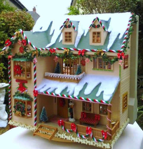 Sylvanian family Christmas Decorated house / manor - FULLY furnished AND figs! | eBay
