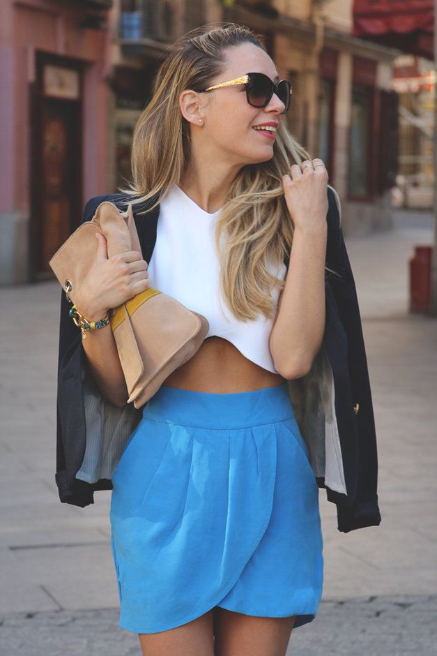 22 Beautiful Girls in Their Favorite Crop Tops - Fashion Diva Design