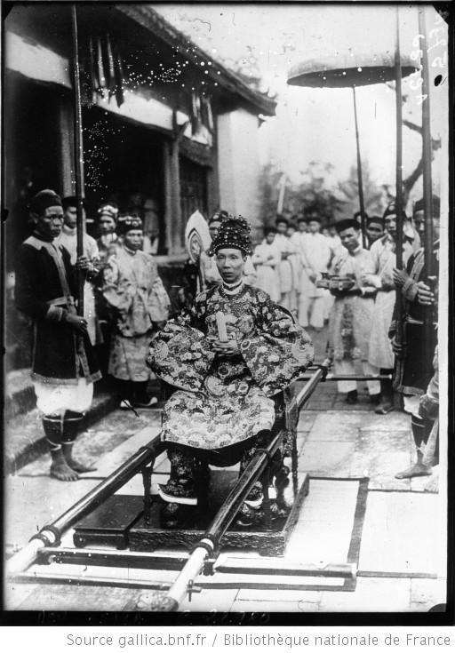 L'empereur D'Annam Khai Dinh à Hué : [photographie de presse] / Agence Meurisse