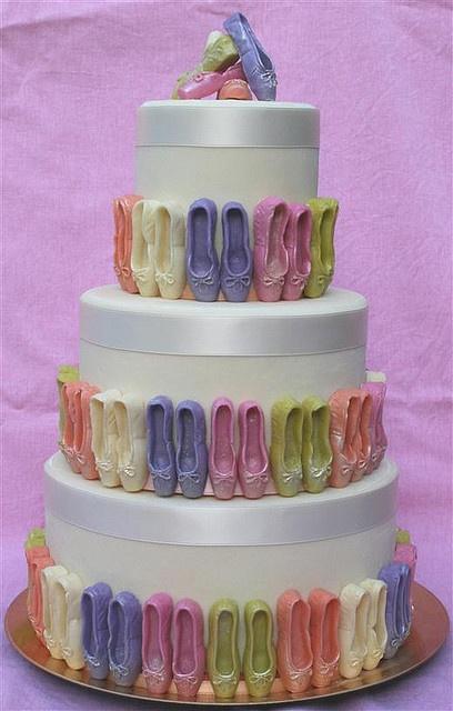 Ballerina Party: Ballet Slippers cake