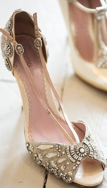 bridal style ✤ ~Best Wedding dresses, gowns, shoes, decorations and ideas