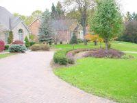 3 Landscaping: Circular Driveway Landscaping Ideas
