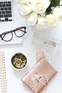 Girly desk | Dream space | Pinterest