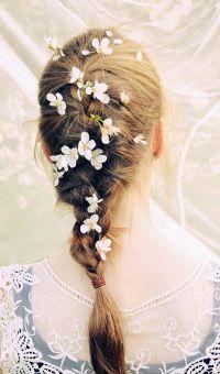 French braid with flowers | B e a u t y | Pinterest