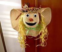"straw hat scarecrow face as door wreath | ""OUR"" Halloween ..."