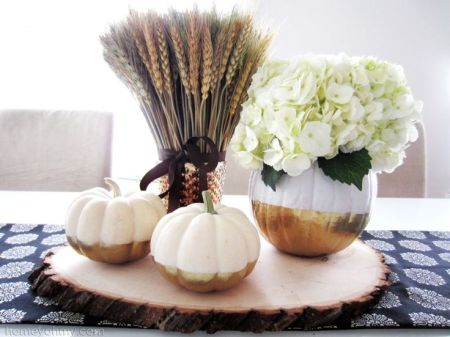 DIY Gold Dipped PUmpkin Vase {Homey Oh My!}