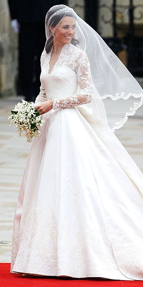 The Royal Wedding: Kate and William <3 Her wedding dress.. Simply gorgeous!