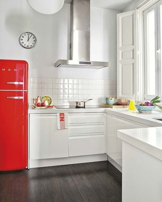 I'd love to be the kind of person with a red fridge.