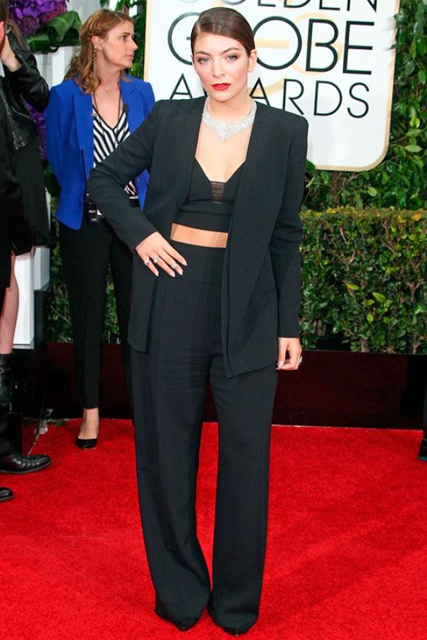 Lorde-tapis-rouge-Golden-Globe-Awards-pantalon