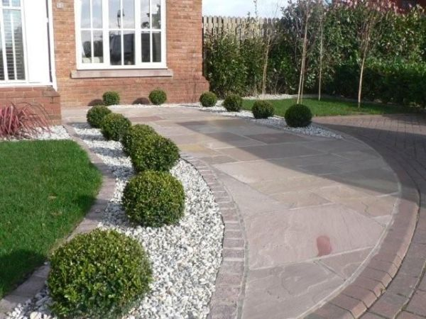 maintenance landscaping casual