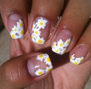daisy nails. nail art