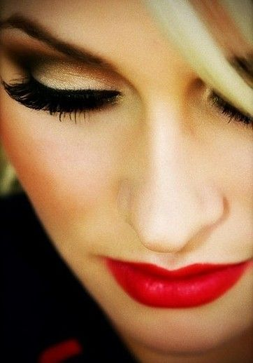 10 Fall Wedding Makeup Ideas From Pinterest For Any Bride   Beauty  - these eyes?
