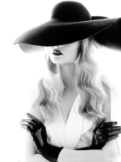 #fashionphotography #blackandwhitephotography #classicfashion