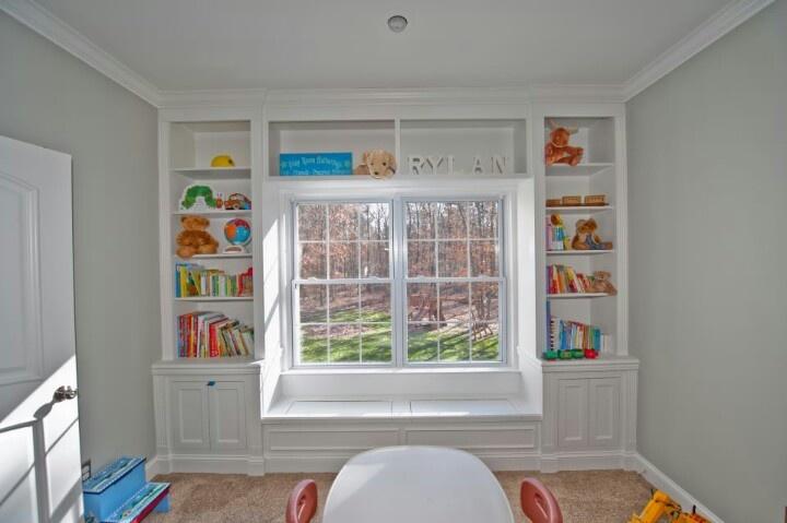 bay window bookshelf